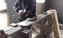 شاب غزّي يتغلب على انعدام فرص العمل باستثمار موهبته