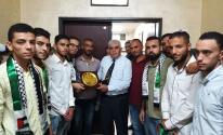 شاهد: شبيبة دحلان تُكرّم رئيس جامعة الأزهر بغزّة وعمداء كلياتها