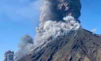 مصرع شخص جراء ثوران بركان في نيوزيلندا.jpg