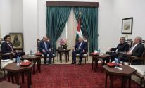 الرئيس عباس يلتقي بالسفير العمادي في رام الله