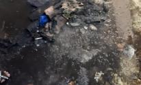 شاهد: مواطن من قطاع غزة يحرق منزله لهذا السبب!