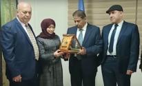 بالفيديو: النائب المصدر يُكرم مفوض عام وكالة الغوث بالمنطقة الوسطى