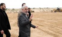 شاهد: السنوار يتفقد مكان إقامة الحجر الصحي في قطاع غزّة