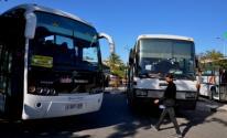 المالية بغزة تقرر استئناف نقل الموظفين بالباصات الخاصة