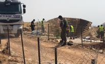 الاحتلال يفكك غرفتين زراعيتين قرب العيسوية ويستولي على معداتهما.jpg