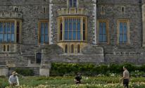 وثائقي يكشف عن نفق سري لهروب الملكة خارج قلعة وندسور مخبأ تحت السجاد
