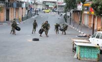 الاحتلال يغلق شارع النفق شمال غرب القدس.