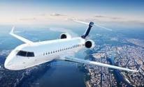 مضيفات الطيران يربطن استخدامهن طلاء الشفاه فاقع الحمرة بسلامة الركاب