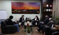 وزيرة الصحة تناقش حالة الأسير الأخرس ووضع السجون مع الصليب الأحمر