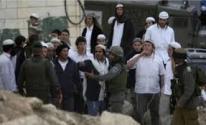 إصابة شاب بجروحٍ جراء اعتداء مستوطنين على منازل المواطنين في الخليل