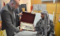الهباش يزور الأسير المحرر أبو عطوان في المستشفى الاستشاري