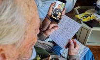 أرجنتينى عمره 100 عام يدون جميع أهداف ميسى بخط اليد... وهذا رد ميسي؟