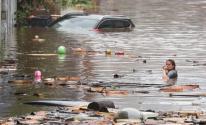 فيضانات.