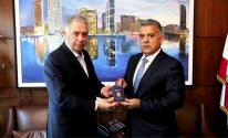 فلسطين تمنح المدير العام للأمن اللبناني وثيقة مواطنة الشرف