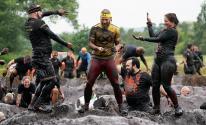 سباق في الوحل.. مسابقة عالمية تنتشر في بريطانيا