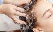 وصفات طبيعية لتنظيف الشعر بدل الشامبو