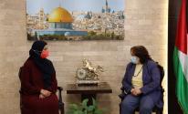 وزيرة الصحة تلتقي شقيقة الأسيرة إسراء الجعابيص