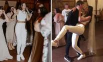 عروسان يحتفلان بزفافهما بملابس رياضية
