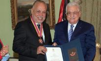 فلسطين تكرّم أشرف زكي بأعلى وسام ثقافي في الدولة