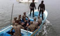 الشرطة البحرية تُنقِذ 3 صيادين بعد تعطل مركبتهم في بحر الوسطى