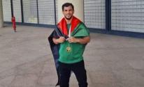 لاعب الجزائر.