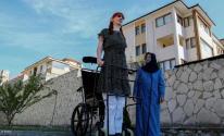 بالفيديو: أطول امرأة في العالم تريد الاحتفاء بالاختلافات بين البشر