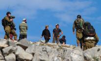 مستوطنون يمنعون المزارعين من قطف ثمار الزيتون في نابلس
