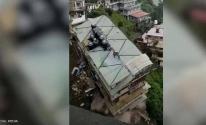 بالفيديو: انهيار مبنى من 8 طوابق في الهند