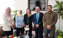 نائبة سفير إيرلندا في فلسطين تزور المركز الفلسطيني للبحوث والدراسات الاستراتيجية