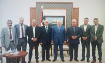 الرئيس عباس يلتقي بمحافظي الخليل وبيت لحم