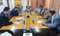 وكيل وزارة الاقتصاد بغزة يلتقي الغرف التجارية