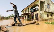 وفاة 20 شخص وفقدان آخرين إثر انهيار رصيف مراكب صغيرة في نيجيريا