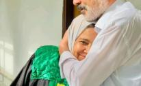 جدة لـ3 أحفاد تحصل على الدكتوراه بدعم زوجها