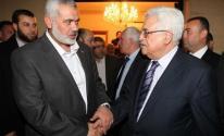 قناة عبرية تكشف عن جهود مصرية لعقد لقاء بين الرئيس عباس وقادة حماس