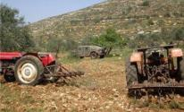 الاحتلال يحتجز جرارات زراعية