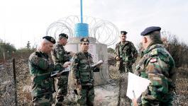 بالفيديو: عراك بين الجيش اللبناني وقوات الاحتلال أثناء زرع أسلاك شائكة قرب ااحدود