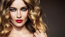 اليكٍ حواء: طريقة صبغ الشعر بماء