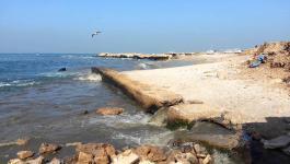 هل سيكون بحر غزّة صالحاً للسباحة والاستجمام هذا الصيف؟!