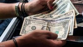 الدولار يواصل الهبوط من أعلى مستوى في عامين