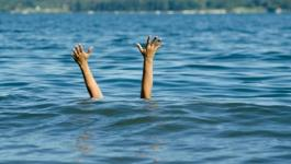 مصرع طفل غرقا