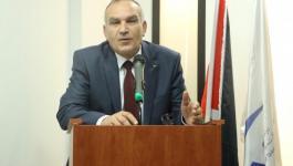وزير الاتصالات يكشف عن سعي الحكومة لتحصيل مبالغ مالية كبيرة من شركة