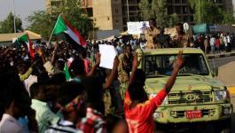 قتيلان وعشرات الجرحى بفض اعتصام الخرطوم