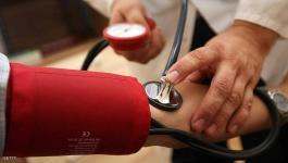 لماذا يرتفع ضغط الدم عند قياسه بالعيادة.. وماذا يعني ذلك؟