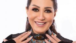 بالفيديو: وفاء عامر تغني في عيد ميلاد فاروق الفيشاوي الأخير