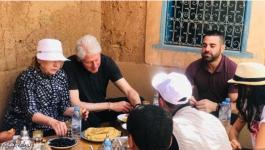 بيل وهيلاري كلينتون يخطفان الأنظار في مراكش
