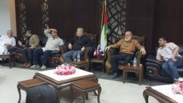 بالصور: وفد من قيادة الجهاد تستقبل الشبان المفرج عنهم من مصر عبر معبر رفح
