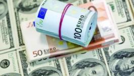 ارتفاع الدولار الأمريكي يهوي باليورو الاوروبي