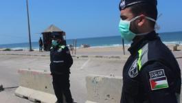 شاهد: عناصر الشرطة تنتشر على شارع بحر غزّة لتطبيق قرار الإغلاق