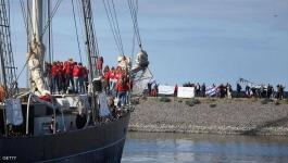 هولندا: بسفينة قديمة عبروا المحيط