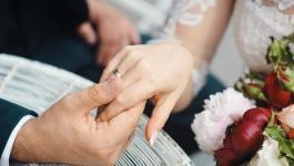 بالصور: تزوج أو ادفع غضب في